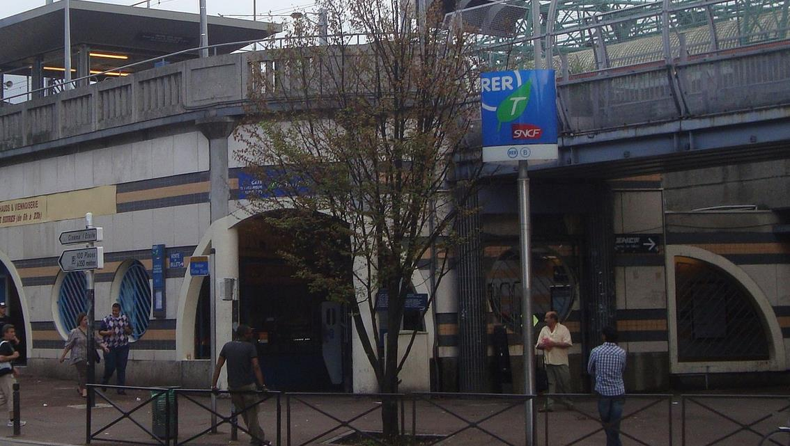Gare La Courneuve - Aubervilliers RER B
