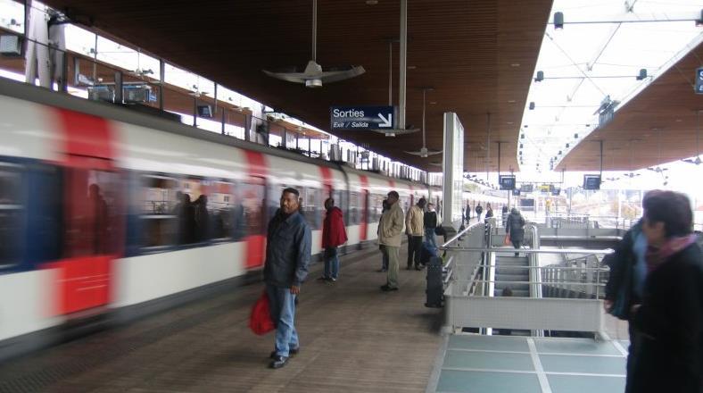 Gare La Plaine - Stade de France RER B