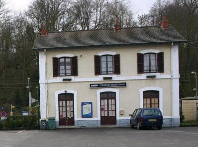 Gare Le Coudray-Montceaux RER D
