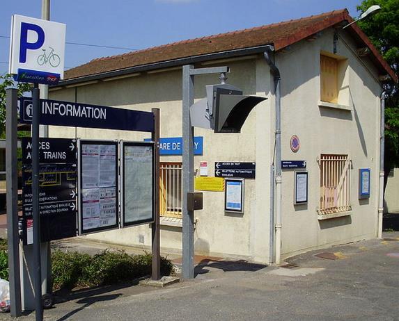 Gare Egly RER C