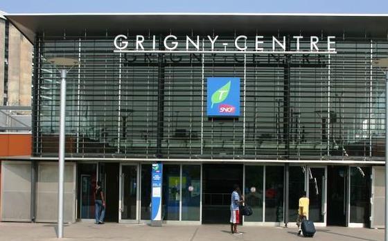 Gare Grigny-Centre RER D