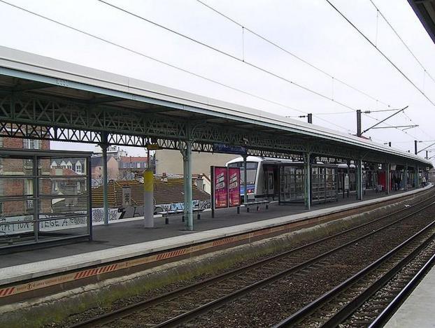 Gare Le Raincy - Villemomble - Montfermeil RER E